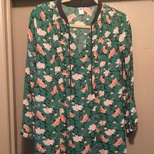 Green with flowers flowing Blouse!